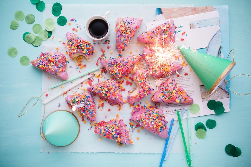 cakes-2600951_960_720